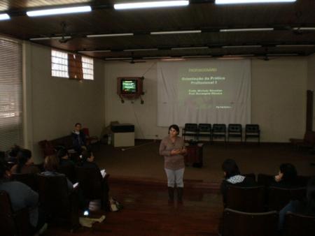 Servidores da Educação realizam cursos técnicos na área em que atuam.